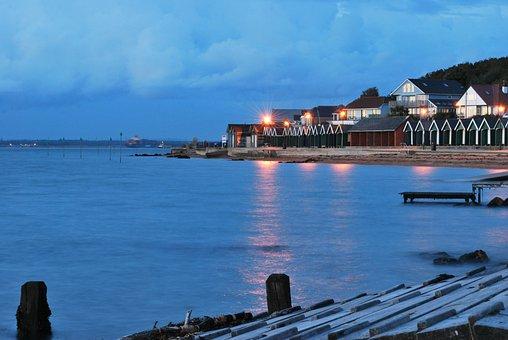 Gurnard Bay, Dusk, Chalets, Nature, Twilight