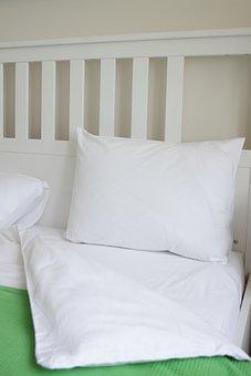 Apartment, Bed, Bedding, Bedroom, Blanket, Comfort