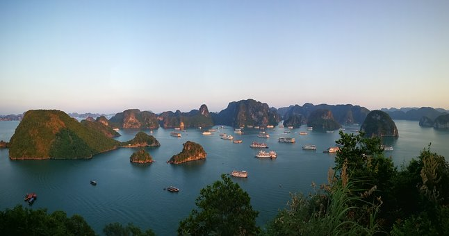 Vietnam, Halong Bay, Ship