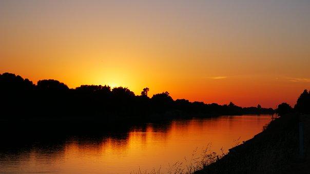 Sunset, Sacramento River, Sacramento Delta