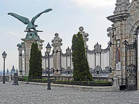 Budapest, Royal Palace, Access, Input, Archway, Pillar