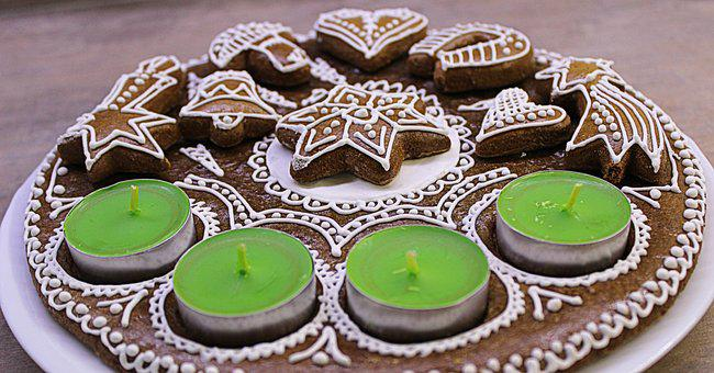 Gingerbread, Advent, An Advent Wreath, Candles