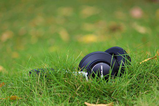 Grass, Head Phones, Black, Green, Music, Connection