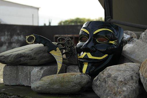Vendetta, Knife, Brass Knuckles, Black, Mask