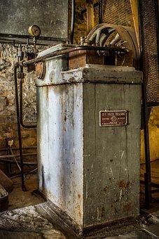 Old Machine, Rusty, Metal, Vintage, Weathered, Antique