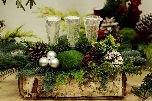 Christmas, Flower Arranging, Candles, Christmas Balls
