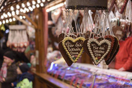 Christmas Market, Gingerbread Heart, Sales Stand