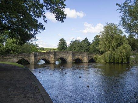 Bakewell, England, Bridge