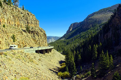 Yellowstone's Golden Gate, Canyon, Highway, Yellowstone
