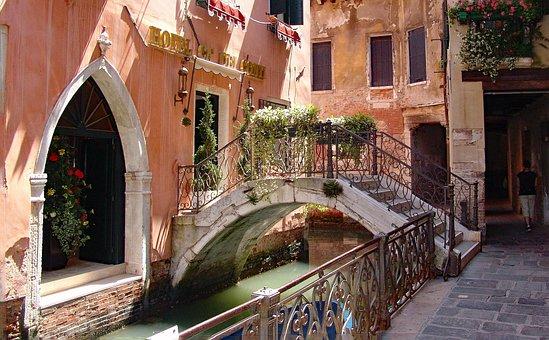 Venice, Secondary Channel, Romantic, Historic Center