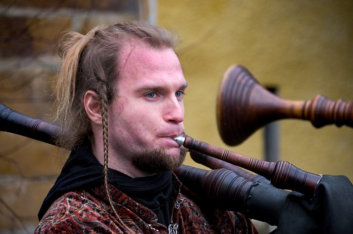 Musician, Piper, Middle Ages