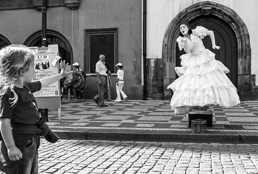 Mime, Pantomime, Hulki Okan Tabak, Prague