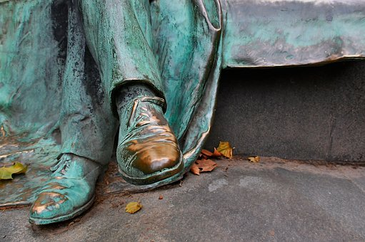 Statue, Bronze, Shoe, Green, Bright, Glow, Patina