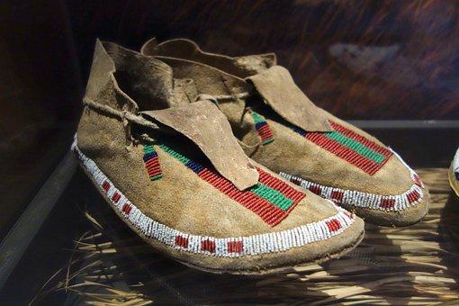 Arapaho, Moccasins, Shoes, Bata, Shoe, Museum, Footwear