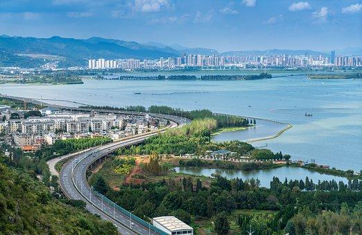 Highway, In Yunnan Province, Kunming, Dianchi Lake