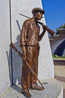 Tulsa Oklahoma Hostility Sculpture, Sculpture