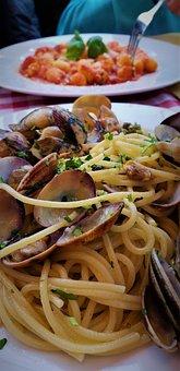 Pasta, Seafood, Clams, Italian, Italy Rome, Roma