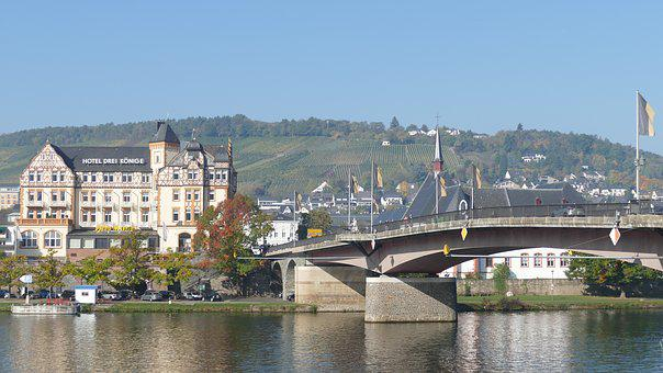 Mosel, Bernkastel-rues, Building A Bridge, River, City