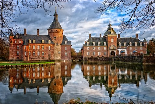 Castle, Moated Castle, Middle Ages, Architecture