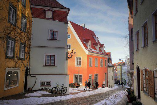 Mountain Road, Historic Center, Landsberg, Snow, Light