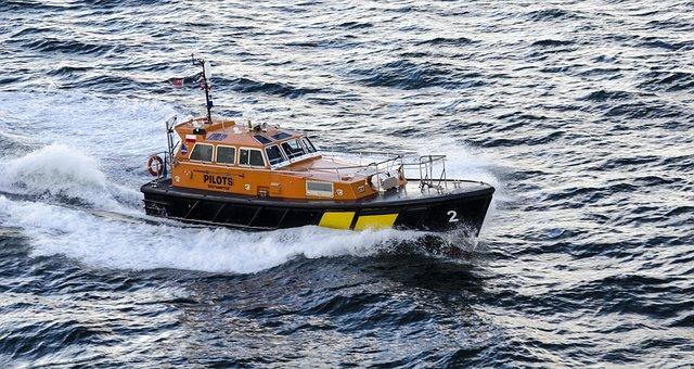Boat, Pilot, Solent, Waves, Sea, Water, Vessel