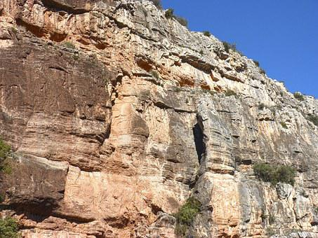 Rock Wall, Montsant, Needle Rock, Priorat, Hiking