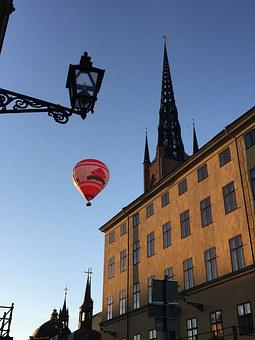 Hot Air Balloon, Streetlight, Riddarholmskyrkan
