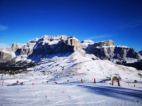 Sella Ronda, Alta Badia, La Villa, Italy, Skiing
