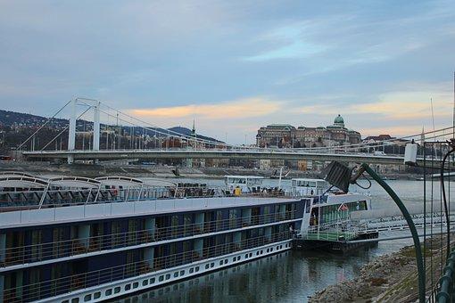 Danube River, Elizabeth Bridge, Ship, Budapest, Hungary