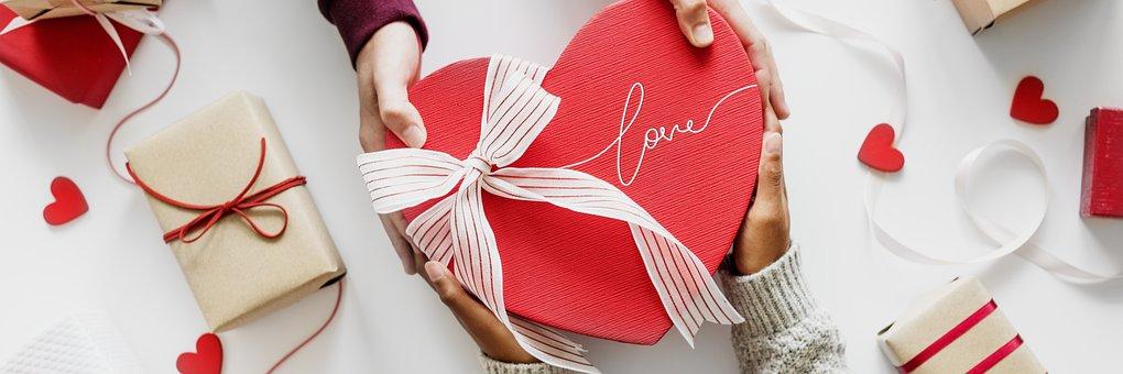 Box, Celebrating, Celebration, Couple, Cute