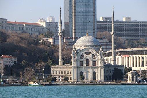 Dolmabahçe, Cami, Bezmialem, Valide, Istanbul, Turkey