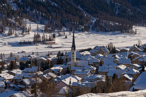 Zuoz, Village, Bergdorf, Winter, Engadin, Oberengadin