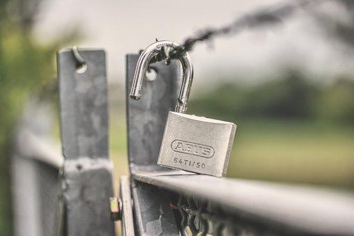 Castle, Padlock, Barbed Wire, Goal, Security, Metal