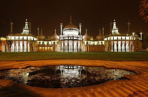 Brighton, The Royal Pavilion, Night