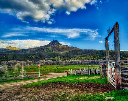 Ranch, Wyoming, America, Hills, Mountains, Hdr