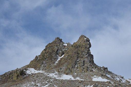 Mountaña, Spain, Peña Foratata, Nature