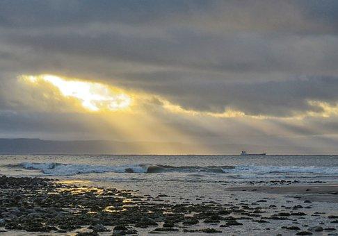 Bristol Channel, Sun Rays, Seascape, Wales, Uk, Sea