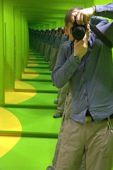 Endless Mirror, Green, Photographer, Salzburg, Museum