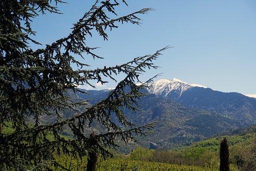 France, Eastern Pyrenees, Canigou
