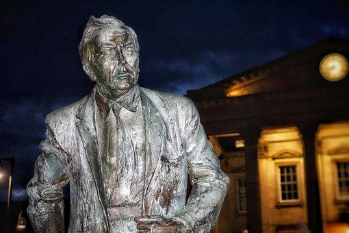 Statue, Harold Wilson, British, Prime Minister