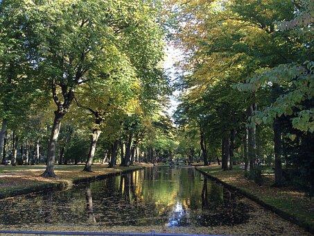 Bayreuth, Courtyard Garden, Park, Trees, Pond, Water