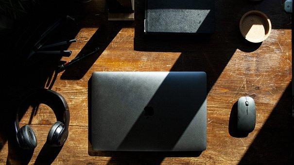Macbook, Setup, Design, Interior, Software, Gear, Room