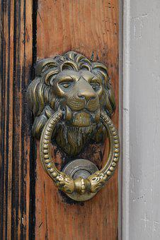 Lion, Door, Doorknocker, Old, Metal, Wood, Handle