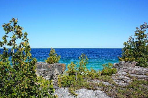 Tobermory, Ontario, Canada, Emmet Lake, Lake, Cottage