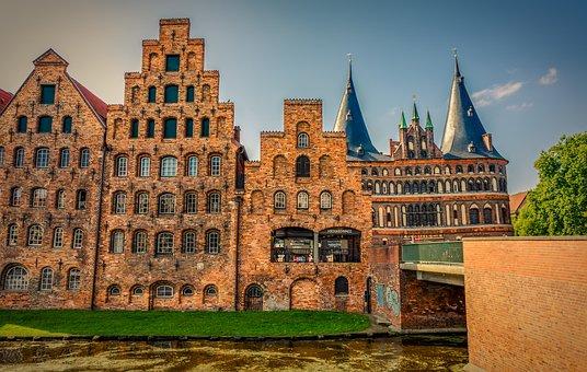 Holsten Gate, Building, Lübeck, Historically
