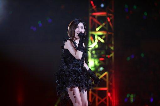Star, Singing, Koh Ngai Thanya Na