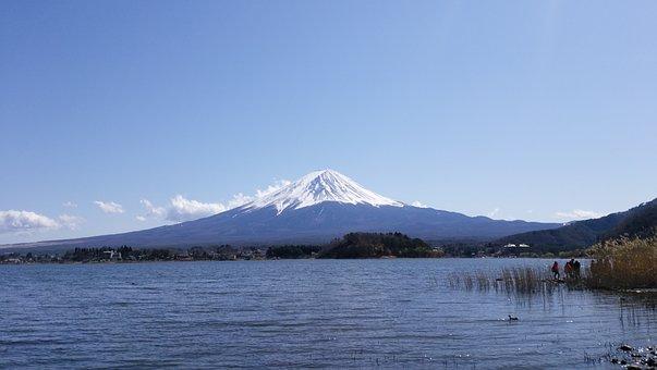 Mt Fuji, Lake Kawaguchi, Mount Fuji And Lake