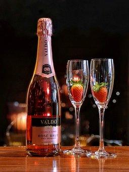 Valdo, Sparkling Wine, Rosé, Strawberry
