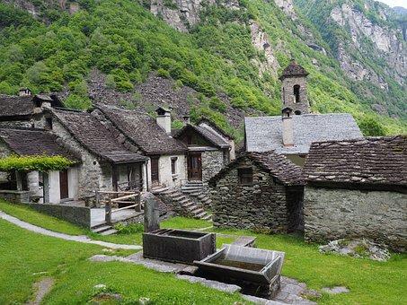 Foroglio, Village, Stone Houses, Village Core