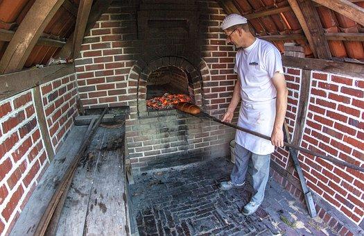 Baker, Wood Burning Stove, Oven, Bake, Bread, Fire